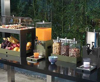buffet-breakfast-hotel-les-maitre